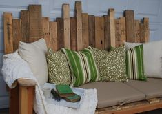 Here is cute looking outdoor or patio sofa made with the wood pallets, place this sofa in your garden or backyard and enjoy the sittings, put some cushions to create more pleasing look, having plants around it can create a more fresh environment. Building a patio pallets sofa like this will not cost you are more than 150 $, or you can built even cheap with help of old used pallets,