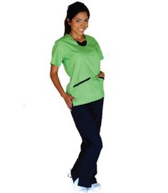contrast jersey scrub set limegreen/black with 2 patch pockets and side vents on the top,low rise flare side pockets,caego pockets at the bottom Discount Scrubs, Cheap Scrubs, Green Scrubs, Scrubs Uniform, Medical Scrubs, Scrub Sets, Contrast, Unisex, Stylish