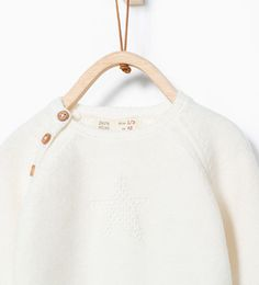 Knit sweater with st