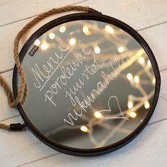 Kirjoita peiliin lasille sopivalla vesiliukoisella tussilla.