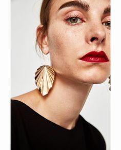 Image 2 of LEAF EARRINGS from Zara