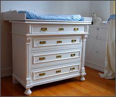 Willkommen im Babyzimmer-Kinderzimmer- Wickelkommoden-Antik und weitere Shabby Chic Möbel--wir zaubern Nostalgie im Kinderzimmer mit Kindermöbel und Wickeltisch antike Wickelkommode in Massiv und Echtholz Weiß,Regal, Kommode,Tisch und Schrank