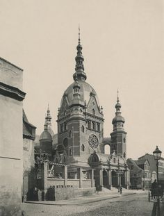 Danzig - The Great Synagoge - now a car park. Synagogue Architecture, Classical Architecture, Historical Architecture, Jewish Synagogue, Jewish Temple, Danzig, City Of Shadows, Germany And Prussia, Jewish History