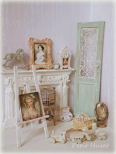 Verkochte miniaturen/Sold Out Victorian Dolls, Victorian Dollhouse, Modern Dollhouse, Dollhouse Dolls, Dollhouse Miniatures, Tiny Furniture, Barbie Furniture, Miniature Furniture, Dollhouse Furniture