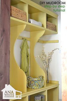 Ana White- Mudroom/Entry Way bench .if only I had a mudroom ; Ana White, Easy Diy Projects, Home Projects, Project Ideas, Furniture Plans, Diy Furniture, Modern Furniture, Colorful Furniture, Antique Furniture