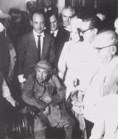 Resultado de imagem para Assis Chateaubriand, em uma cadeira de rodas