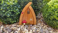 Welcome to RachaelsFairyDoors We are a small family run business, working hard to bring a little joy and magic into the homes all around the world. All of our doors are hand painted and decorated by us. With hours of care, imagination and sparkle poured into each one. Each door