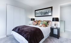 K posteli se pak váže i vhodně vybraný kvalitní rošt a matrace, které napomohou k dobrému spánku i k předcházení problémům s bolestí zad více, než byste ...