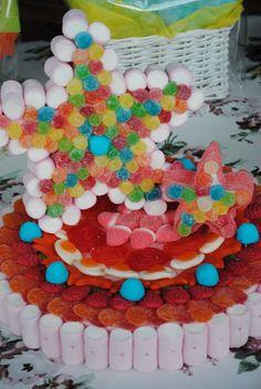 LOS DETALLES DE BEA 7 Cake, Cupcake Cakes, Candy Kabobs, Bar A Bonbon, Dulce Candy, Candy Art, Candy Cakes, Sugar Candy, Cookie Box
