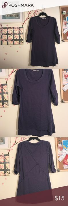 💙 Athleta Shiva Tee Ruched Sleeves Purple Medium This soft purple Athlete 3/4 sleeve top has ruched sleeves, hi low hem, and a soft pilling all over. This is the Shiva Top in Nightshade Heat Purple. It's not quite as dark as my first pictures make it out to be.   Bust: 18 in flat Shoulder to hem: 28 in (front); 31 in (back) Arm: 9 in Measurements are approximate; please allow for human error!  Smoke-free home. Offers welcome. Athleta Tops