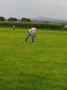 Un campo en Ojo de Agua, México, para jugar béisbol con la familia.