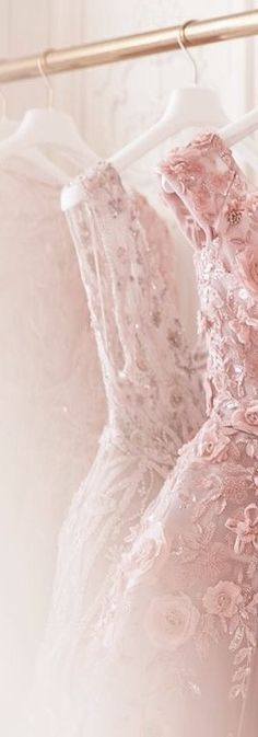 She wore pink for my wedding. Rose Pastel, Pale Pink, Pink Roses, Pink White, Glamour, Color Rosa, Pink Color, Bridal Boutique, My Favorite Color