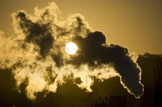 Energy Bombshell: CO2 Emissions Stabilized in 2014 - The International Energy Agency announced Friday that energy-related CO2 emissions last year were unchanged from the year before, totaling 32.3 billion metric tons of CO2 in both 2013 and 2014. It shows that efforts to reduce emissions to combat climate change may be more effective than previously thought.