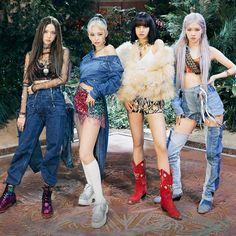 Kpop Girl Groups, Korean Girl Groups, Kpop Girls, Just Dance, Blackpink Poster, Black Pink Kpop, Blackpink Members, Blackpink Photos, Blackpink Fashion