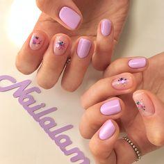 """1,175 Likes, 6 Comments - 네일어라모드 Nail A La Mode (@nailalamode) on Instagram: """"- 라일락맛💜옆으로 넘겨보세요 - #네일어라모드 #라일락 #purple #💜 #nails #gelnails #springnails"""" Diy Nails, Gelish Nails, Bling Nails, Nail Manicure, Cool Nail Designs, Nail Polish Designs, Gel Nail Polish, Minimalist Nails, Korean Nails"""