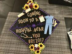 Respiratory therapy graduation cap - Decoration For Home Funny Graduation Caps, Graduation Cap Toppers, Nursing School Graduation, Graduation Cap Designs, Graduation Cap Decoration, Grad Cap, Graduation Ideas, Nursing Schools, Nursing Students
