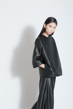 Sheath Mollis Black 3/4 Sleeve Lined Silk Top