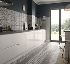 Wickes Winchester Patchwork Grey Ceramic Tile 200 x Grey Gloss Kitchen, Grey Kitchen Tiles, Grey Tiles, Kitchen Flooring, New Kitchen, Winchester, White Porcelain Tile, Patchwork Tiles
