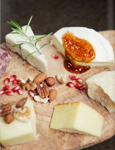 A beautiful cheese plate. #cheesewine #wine #cheeseplate #boursin