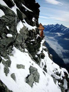 Solvay Hut: Un precario albergue en la Montaña Cervino, Suiza -