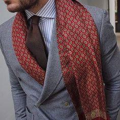 #ilmarchese1984 #gentlemansfashion #menswear #style #gq #dapper #mensfashion #sprezzatura #dandy #sartorial #menwithstyle #ootd #pittiuomo #streetstyle #stylegram #gentleman #sartoria #suit #outfit...