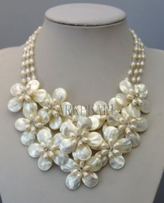 2013 new PEARL necklace,beadwork necklace,Beaded Jewelry,bib necklace,statement necklace,pendant necklace with chain