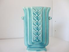 McCoy pottery vase 1940 by StarSteveStuff on Etsy Vintage Vases, Vintage Pottery, Vintage China, Vintage Decor, Mccoy Pottery Vases, Pottery Art, Rockwood Pottery, Hearth And Home, Green Colors