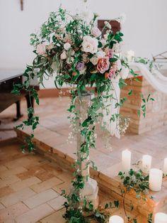 Photography: http://www.gianlucaadovasio.it/   Floral design: http://www.instagram.com/larosacaninafirenze/?hl=en   Venue: http://monteverdituscany.com/   Read More: https://www.stylemepretty.com/2018/01/15/romantic-tuscan-wedding/