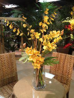 Silk orchids arrangement by Lins International Faux Flowers, Silk Flowers, Silk Orchids, Orchid Centerpieces, Faux Flower Arrangements, Artificial Orchids, Cottage Garden Design, Trees And Shrubs, Center Pieces