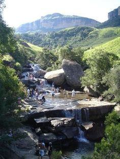 Cascades in Royal Natal National Park in Northern Drakensberg, Kwazulu-Natal Paises Da Africa, Out Of Africa, Places To Travel, Places To See, South Africa Safari, Le Cap, Kwazulu Natal, Country Landscaping, Africa Travel