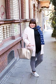 German Curves: Fly me to the Moon - plus size outfit for spring with silver details