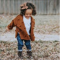 Outfits Niños, Girls Fall Outfits, Little Girl Outfits, Toddler Girl Outfits, Little Girl Fashion, Toddler Fashion, Fashion Kids, Fashion Clothes, White Outfits