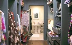 loved carrie's apartment  >>> want to make a similar space for myself.....