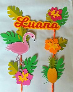Topo de bolo flamingo tropical Flamingo Party, Flamingo Decor, Pink Flamingos, Hawaian Party, Cute Stickers, Cupcake Toppers, Decoration, Paper Flowers, Ideas Party