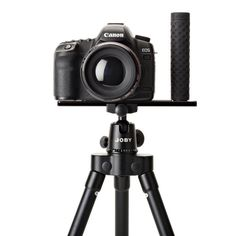 Joby Hand Grip with UltraPlate 208 For DSLR/Mirrorless Cameras and Tripods