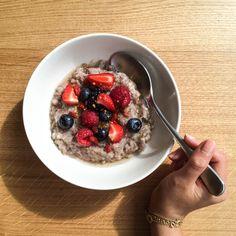 Coconut Buckwheat Porridge topped with raw honey, seasonal berries and bee pollen. Health Breakfast, Easy Healthy Breakfast, Breakfast For Kids, Breakfast Ideas, Breakfast Recipes, Cooking Recipes, Healthy Recipes, Healthy Food, Healthy Meals