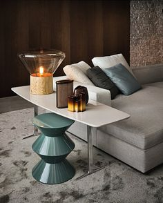 Wilson console by Minotti #design #interiors #stool #lamp