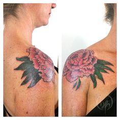 Maria. Cover. Tatuando en Buenos Aires hasta el 3 de Julio. Del 6 al 11 de Julio tatuando en Viedma. Consultas por mp en fb.  #peonia #peony #paeoniaceae #botanicaltattoo #belpainefilu #tattoo #Tattoos #tattooartist #tattooart #tattooflash #tattoolove #tattoocolor #covertattoo #buenosaires