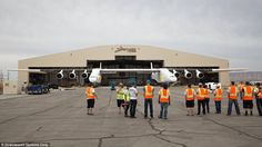 Meet the Stratolaunch, the world's largest airplane - CNET - Page 9 Boeing 747 400, Space Museum, Jet Engine, Football Field, World's Biggest, Worlds Largest, Airplane, Aviation, Aircraft