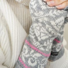Fingerless mittens in traditional nordic knit with by NordicKnit