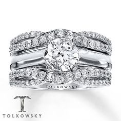My EXACT engagement ring and enhance i have ♥♡♥♡♥