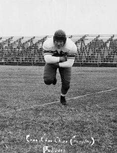 "United States Naval Academy football fullback ""Choo Choo Chuck"" Humphrey in Jacksonville (1949). | Florida Memory"
