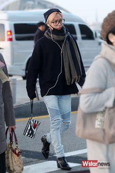 151106 Taemin - Incheon International Airport to Japan Started by onboms , 3 days ago