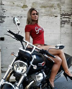 Girls and Bikes [pics] | Page 1071 | Adventure Rider
