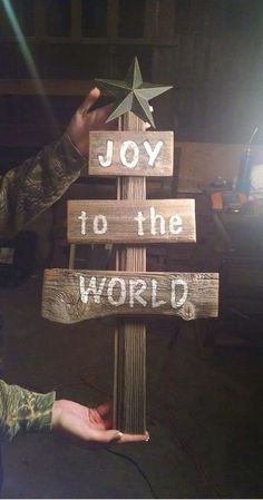 Rustic barn wood Chrismas tree with a message! Rustic Christmas decor, Rustic decor, Christmas decorations, Winter decor, Holiday decor, Farmhouse Christmas tree, Joy to the world #ad