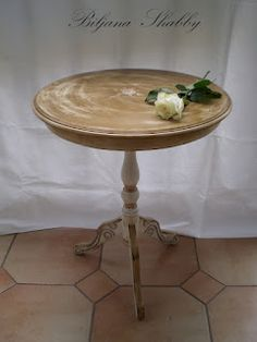 Shabby chic furniture & French chic Side Table