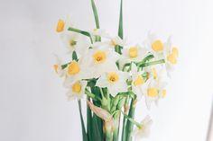 Glass Vase, Home Decor, Homemade Home Decor, Interior Design, Home Interiors, Decoration Home, Home Decoration, Home Improvement