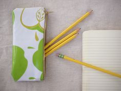 pretty pencil case made from laminated cotton #tutorial