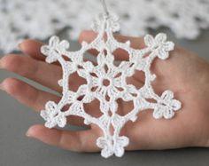 Artículos similares a 24 copos de crochet SET de 24 árbol de Navidad ornamentan Navidad decoración mano crochet plata borde invierno boda decoración en Etsy
