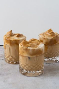 Food N, Food And Drink, Food Truck Design, Pumpkin Spice Coffee, How To Eat Less, Coffee Recipes, Food Plating, Smoothie Recipes, Wine